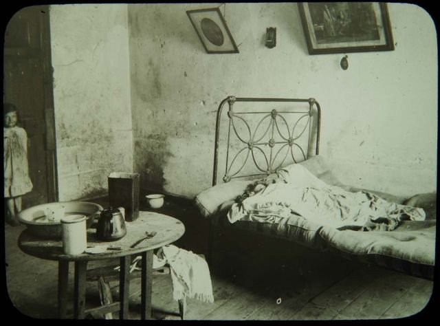 A tenement room for Living room dublin